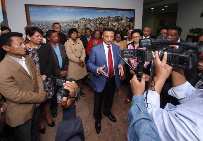 Ravalomanana Ntsay Accord Politique